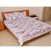 White Floral Print Microfiber Quilt and Set of 2 Shams (Full/Queen)