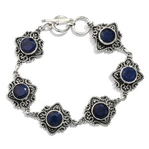 Artisan Crafted Madagascar Blue Sapphire Sterling Silver Toggle Clasp Bracelet (7.50 In) TGW 29.50 cts.