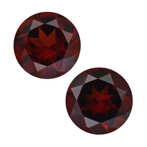 Mozambique Garnet Set of 2 (Rnd 7 mm) TGW 2.67 cts.