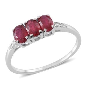 Web Exclusive Doorbuster Niassa Ruby Sterling Silver Trilogy Ring (Size 7.0) TGW 2.10 cts.