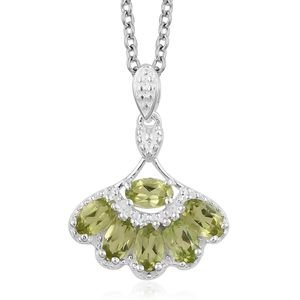 Hebei Peridot Sterling Silver Pendant With Stainless Steel Magnetic Clasp Chain (20 in) TGW 1.60 cts.