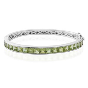Hebei Peridot Sterling Silver Bangle (7.50 in) TGW 14.60 cts.