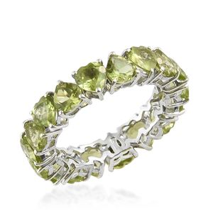 Hebei Peridot Platinum Over Sterling Silver Heart Eternity Ring (Size 7.0) TGW 7.25 cts.